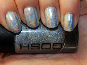 holographic 300x225 Les divers types de vernis à ongles